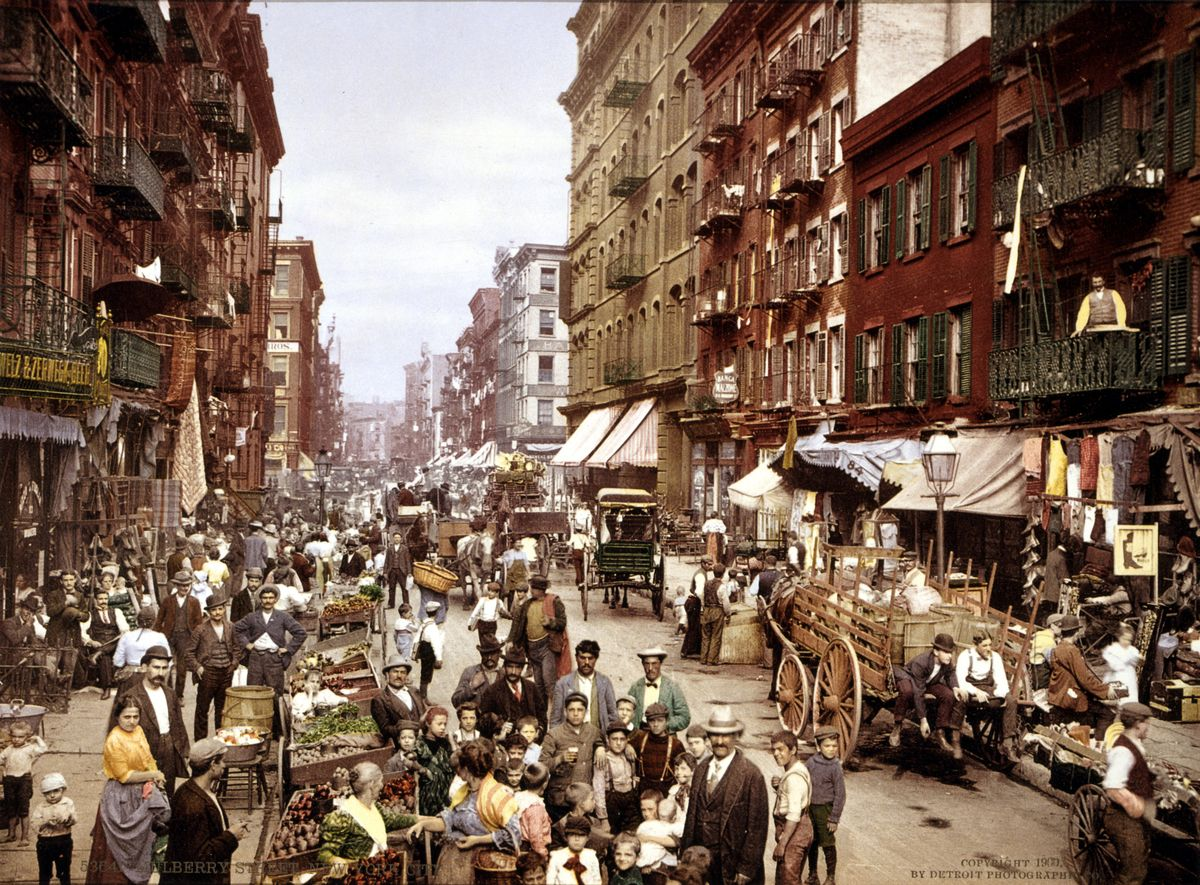 Mulberry Street, Lower East Side in the 1900s. In the jostling streets of New York, men had to be careful.
