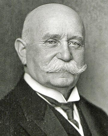 Inventor of the Zeppelin Ferdinand von Zeppelin