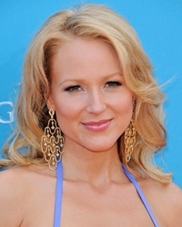 Singer-Songwriter Jewel Kilcher
