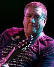 Rocker Steve Jones