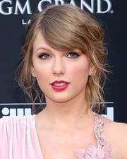 Singer-songwriter Taylor Swift