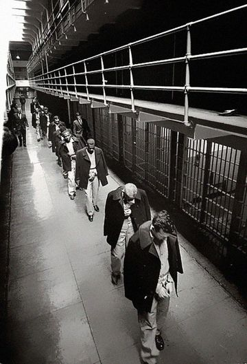 The last prisoners walk down Broadway as Alcatraz Federal Penitentiary closes