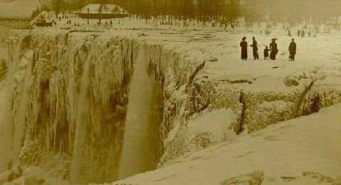 The flow of water stops completely over both of Niagara's two falls due to an ice jam in the upper river