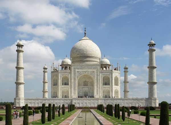 The Taj Mahal in all its glory, built by Mughal Emperor Shah Jahan I for his beloved wife, Mumtaz Mahal