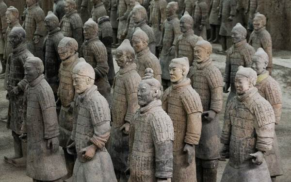The Terracotta army standing guarding at the tomb of China's 1st emperor, Qin Shi Huang