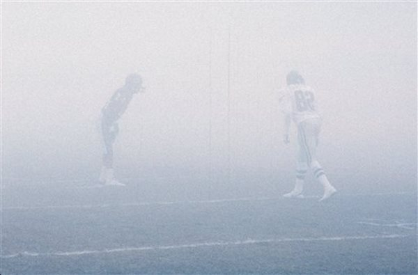 A photo taken as the Bears and Eagles face off in the 1988